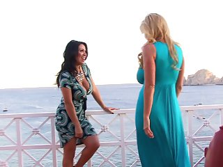 Outdoor lesbian shacking up experience with Kelly Madison