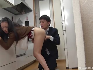 Young boyfriend fucks her for a catch first time