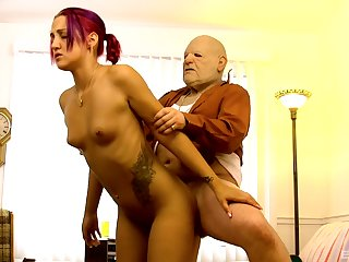 Young bimbo Zoe Zebra gives pile tingle on to a much older gentleman