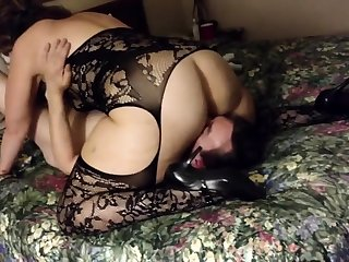Filming my girl in a hotel - cuckold