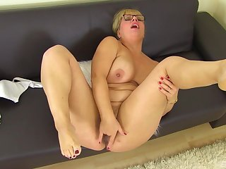 Thick older broad seeks attention when playing concerning her sloppy pussy