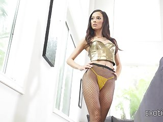 Exotic chick Jaye Summers gets lubed coupled with enjoys a hard thick load be required of shit be required of her new boyfriend