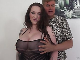Voluptuous lady with awesome boobies Harmony Reigns is hammered foreign shy away from