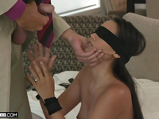 Blindfolded alluring babe with sexy boodle Andreina Deluxe fucks doggy darn perfect