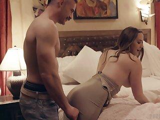Home dealings in dilettante bedroom scenes for a hot MILF on fire