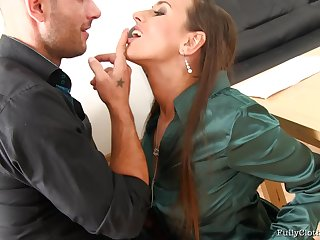 Business man loves to piss on his secretary after poking her cunt