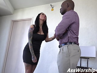 Domina  Fae owns her ass slave