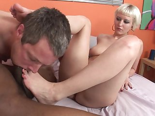 Cuckold non-appearance to take a part in that interracial fucking