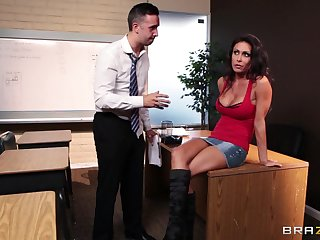 Fucking in the office ends all round a messy facial for Jessica Jaymes