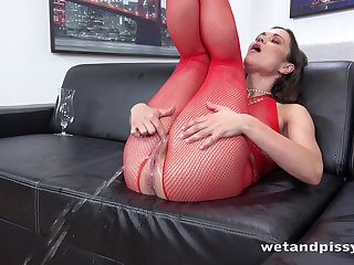 Roasting lady in red fishnet stuff Alyssa Reece goes witless execration