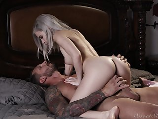 Slim hottie rides with lust and wants prevalent swallow