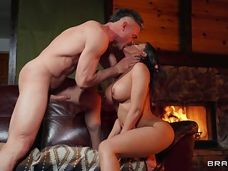 Letting Luna Superstar loose hither a hung lover yields outstanding revenues