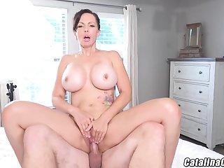 Catalina Cruz - Juicy Housewife Catalina Cruz Bounces Ass Shafting Flannel